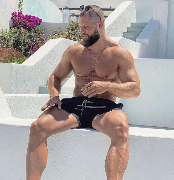 Florian Munteanu Chilling
