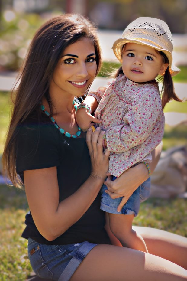 Jessica Namath with her daughter