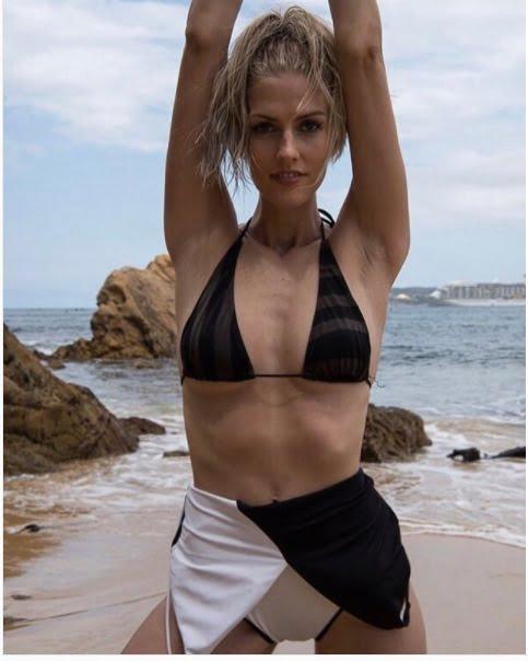 Taylor Neisen showing off her bikini body
