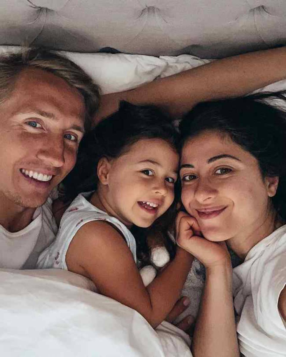Mimi Ikonn Family