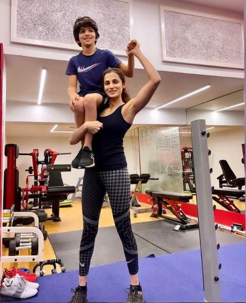 Shilpa Reddy with her son in gym
