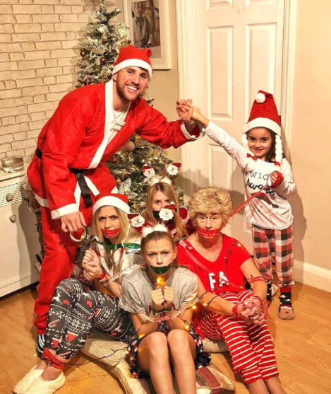 Kristen Hanby with his family members